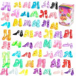 50 pares de  zapatos de tacón de diferentes estilos para mu