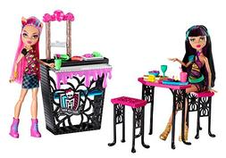 Monster High Creepteria with Cleo de Nile and Howleen Wolf D