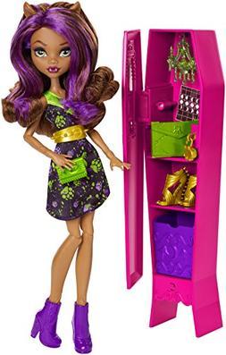 Monster High Ghoul-La-La Locker & Clawdeen Wolf Doll