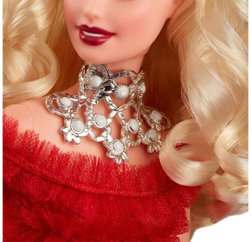 Barbie 2018 Holiday Blonde