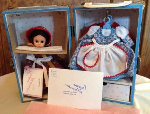 Madame Dolls Goes To Trunk Set,