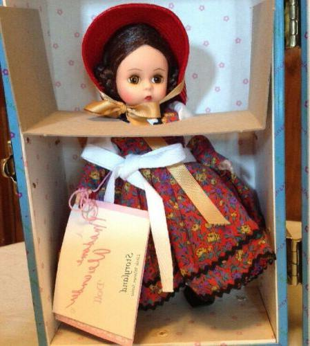 Madame Alexander Dolls Jo Goes New Trunk Set,