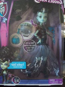 "MONSTER HIGH 10"" DOLL FEATURING ""Catrine DeMew"" NEW IN BOX ."