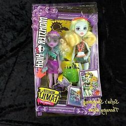 Monster High Monster Family Lagoona Blue and Kelpie Blue Dol