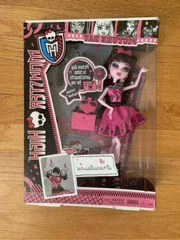 Monster High PICTURE DAY Draculaura Doll NEW Original High S