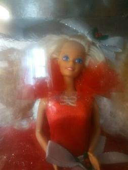 NEW 1988 HAPPY HOLIDAY SPECIAL EDITION  BLOND BARBIE DOLL NR