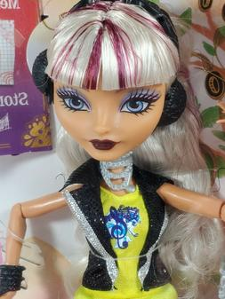 NRFB ~  MATTEL EVER AFTER HIGH MELODY PIPER ARTICULATED FASH