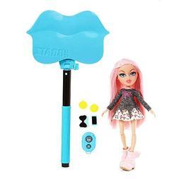 Bratz Selfie Stick with Doll - Cloe