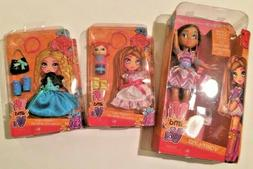 Vi and Va Valentina Doll with two Fashion Packs